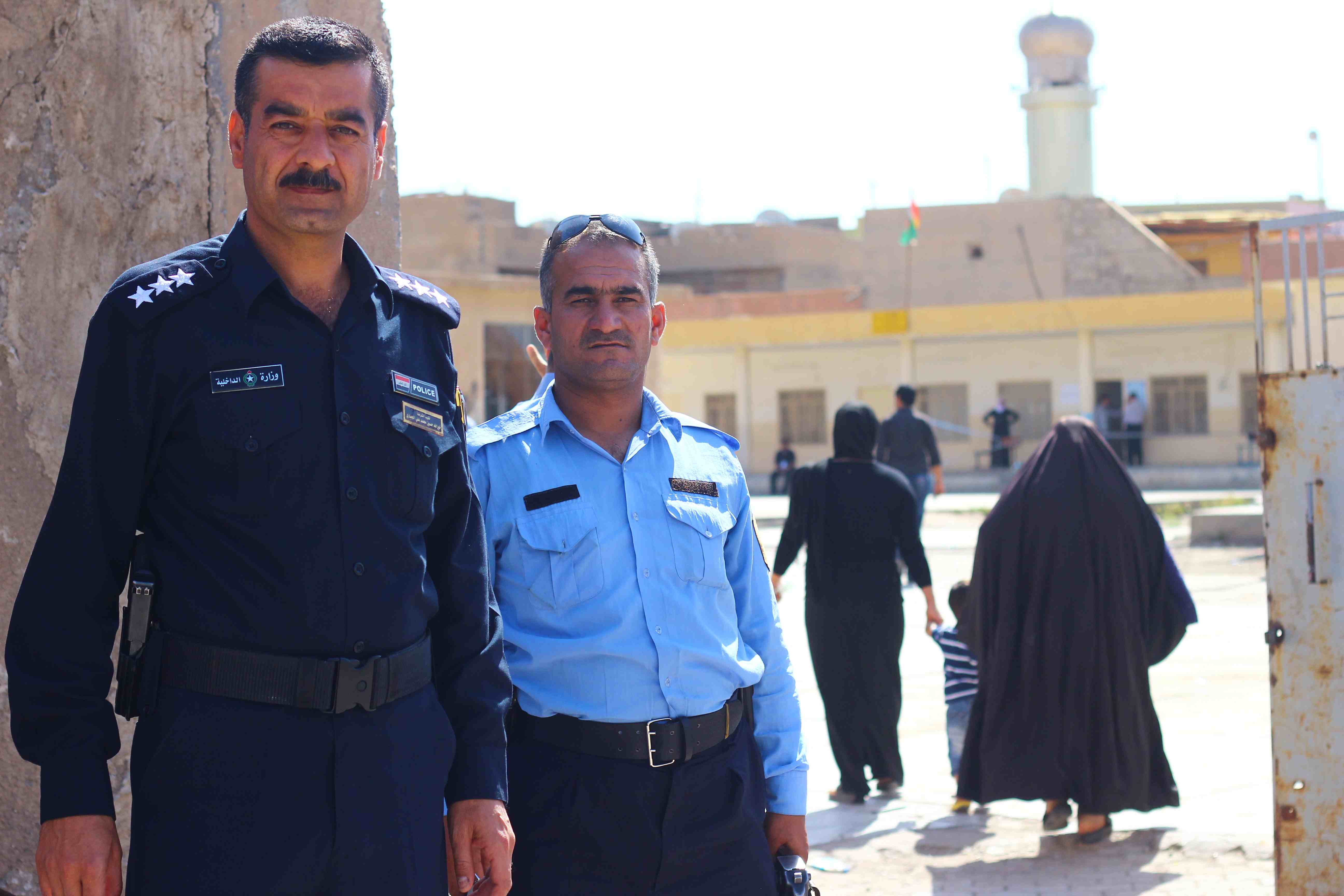 Las medidas de seguridad son extremas en las elecciones de Irak (Pablo L.Orosa-Miguel Fernández)