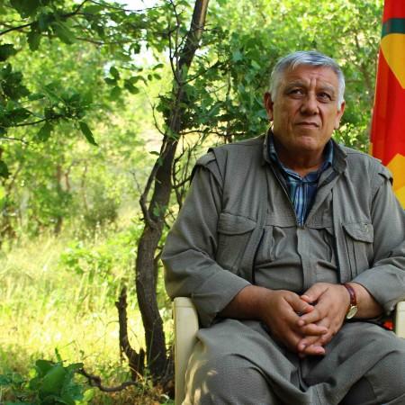 Cemil Bayik, copresidente del KCK, durante la entrevista en la montañas Qandil, en Irak