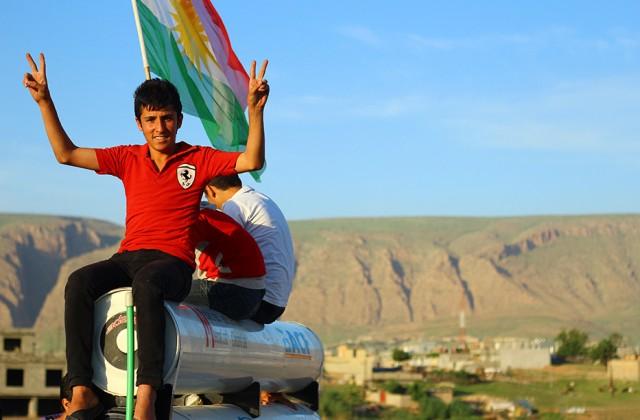 Los-kurdos-sueñan-con-la-creación-de-un-Estado-propio-tras-décadas-de-opresión.--La-bandera-tricolor-es-algo-común-en-el-KRG-y-los-campos-de-refugiadosç-(Miguel-Fernández---Pablo-L)_550