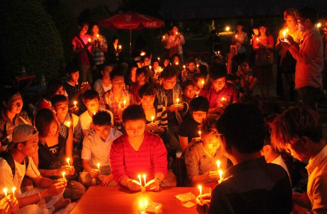 LGTB community gathered in People´s Park in Yangon for claiming for their rights (Pablo L. Orosa) copia 2